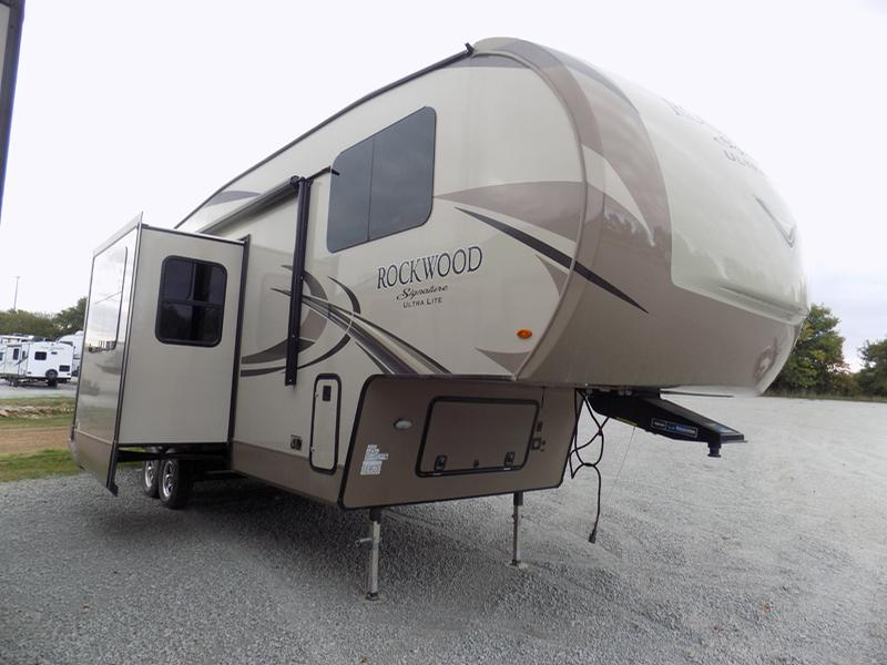 Forest River Rockwood Signature Fifth Wheels8297S